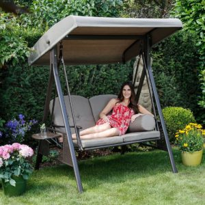 hollywoodschaukel im garten aufstellen darauf sollten. Black Bedroom Furniture Sets. Home Design Ideas